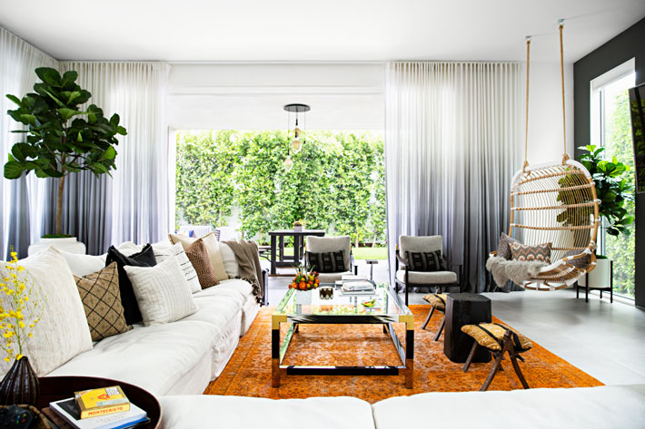 luxury living room design - the chainsmoker's drew taggart's home design by peti lau - Photo by Brittany Ambridge