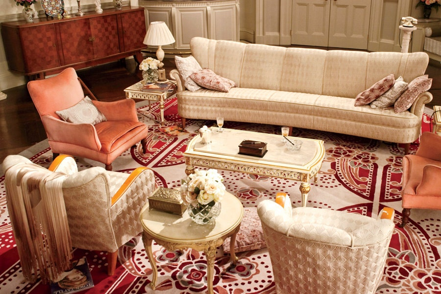 Art deco sitting room design in the Great Gatsby. (Photo Warner Bros. Pictures)
