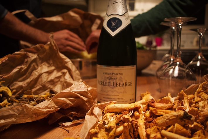 champagne and fried mushrooms