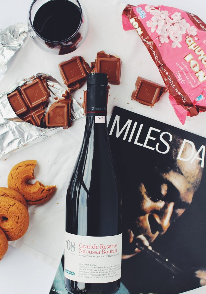 wine tips to become a wine connoisseur - pairing wine and chocolate