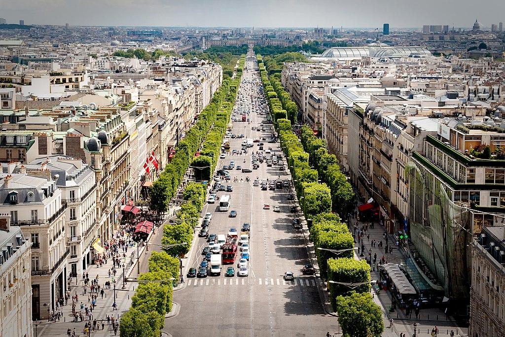 Avenue des Champs-Élysées view from the Arc de Triomphe (Photo by Josh Hallett, 2009)