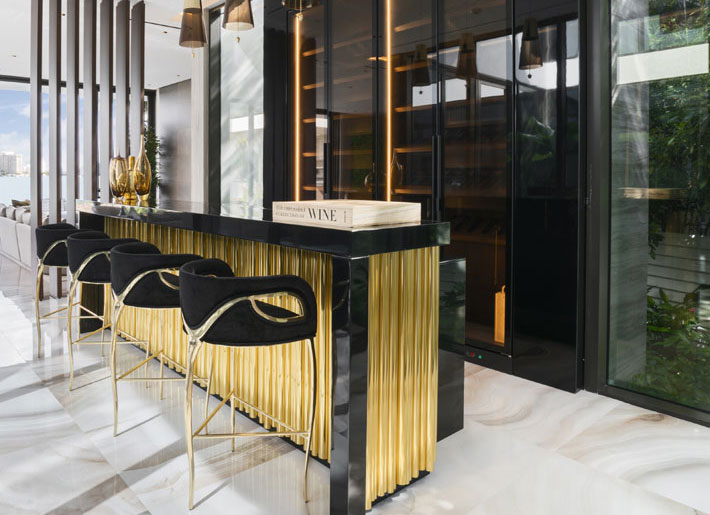 Mendez Vela Kitchen Chandra black and gold Bar Stools KOKET