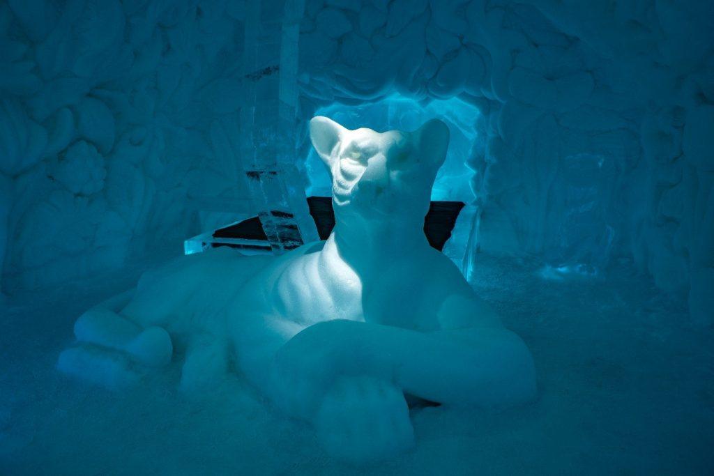 sweden's icehotel Feline Lair
