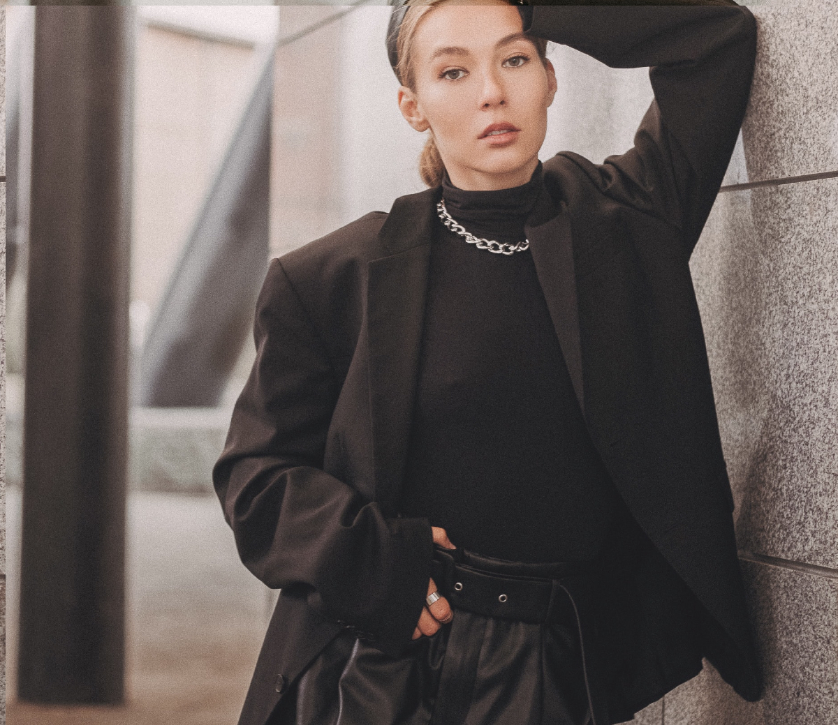 french women fashion style rules woman in black fashionable
