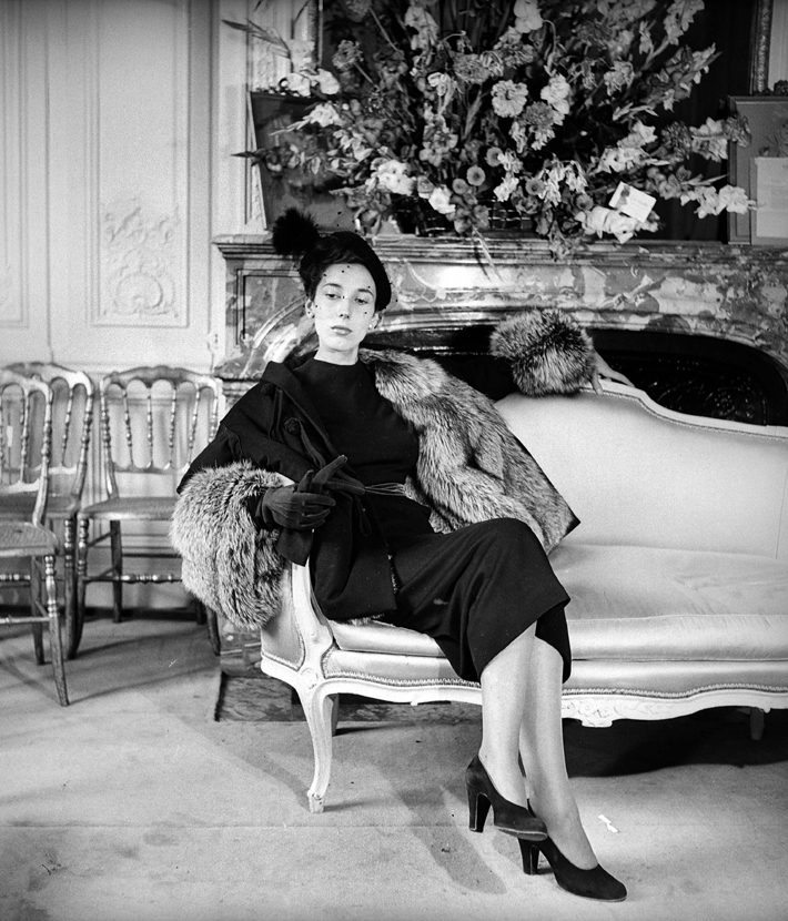 a new normal Christian Dior new look paris 1947 black and white photo roger viollet
