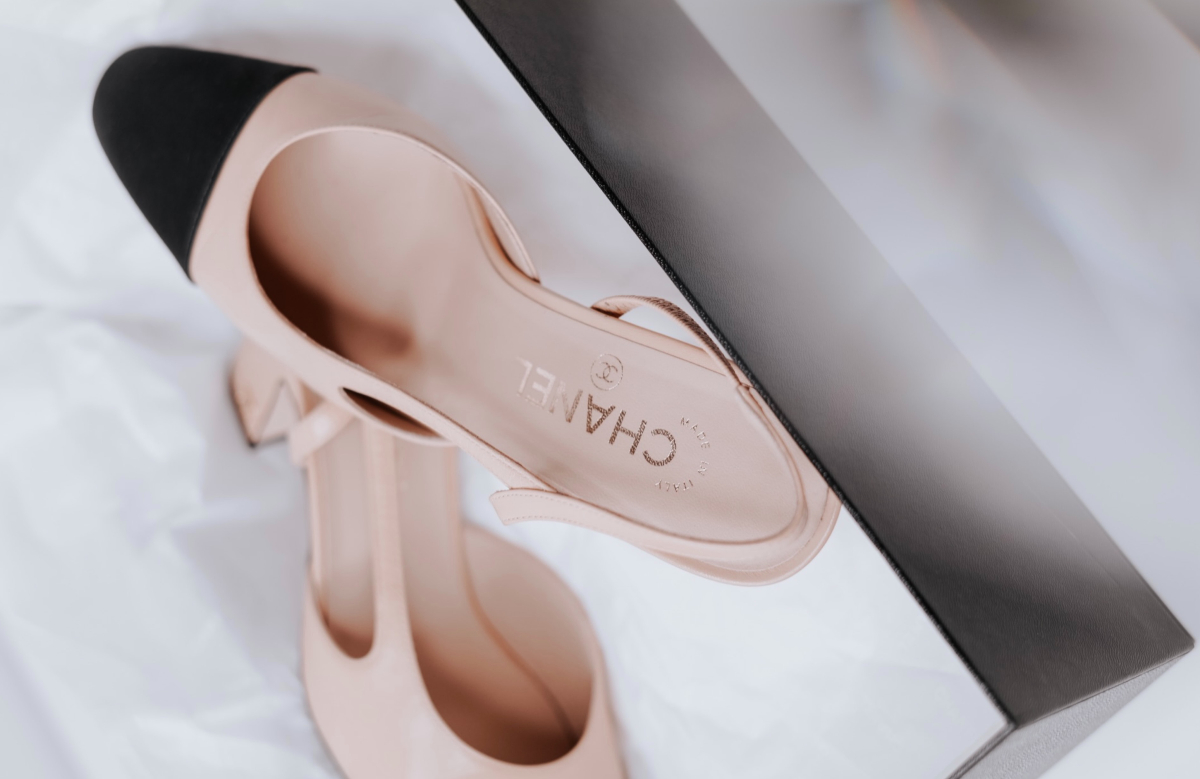 pink and black low heel chanel heels french women fashion style rules