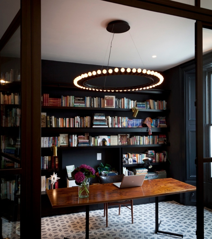 Kensington Townhouse home library by Suzy Hoodless