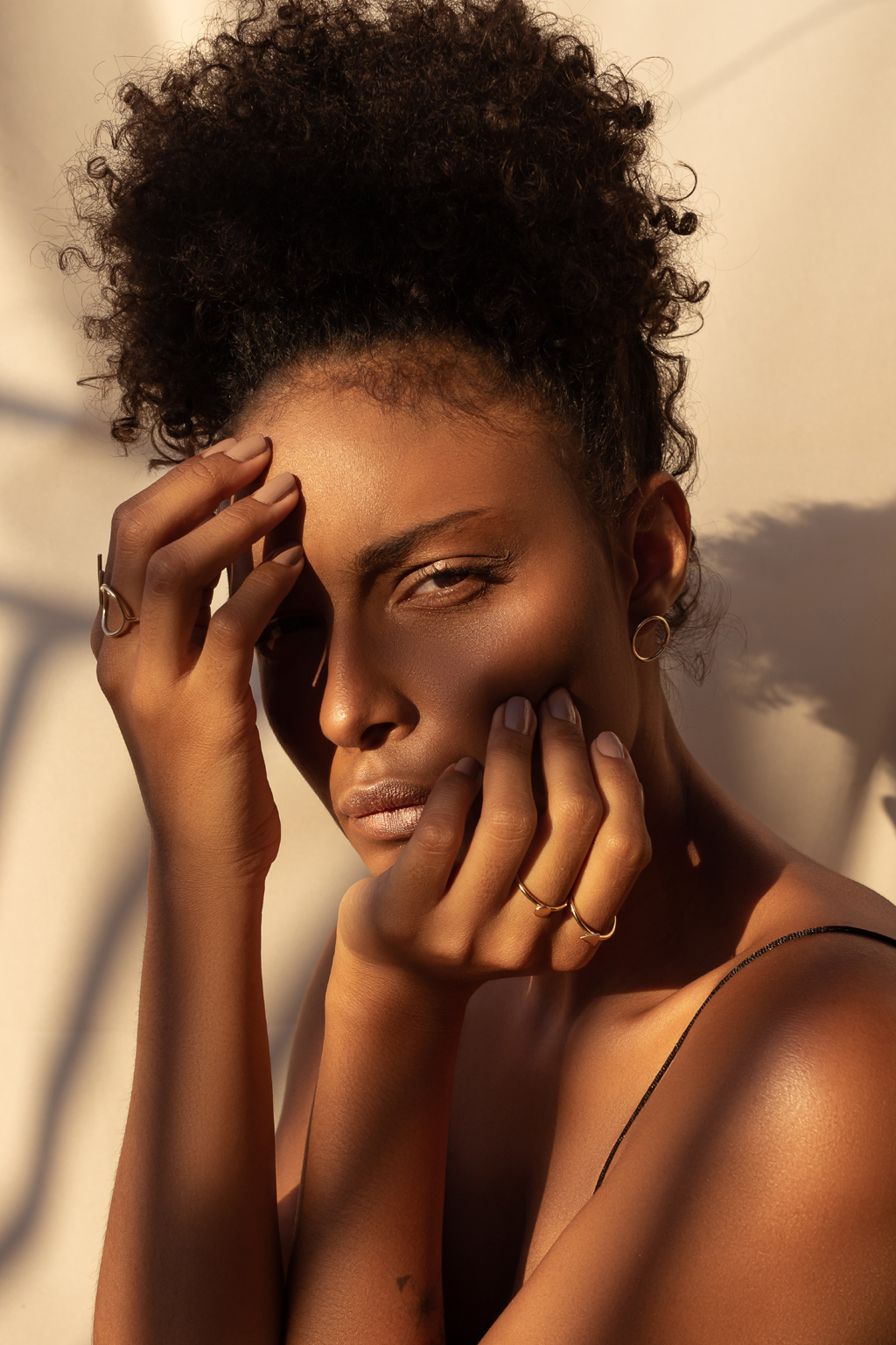 beauty tips confident beautiful woman in the sun dom aguiar unsplash