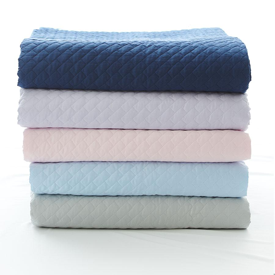 luxe kids coverlet zoe luxury quilted