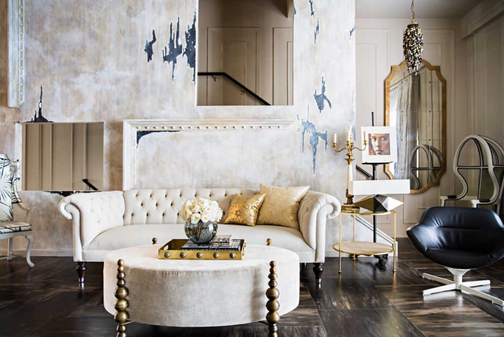 Photo by Brittany Ambridge of an interior designed by Michael Boyd, featured in House & Garden