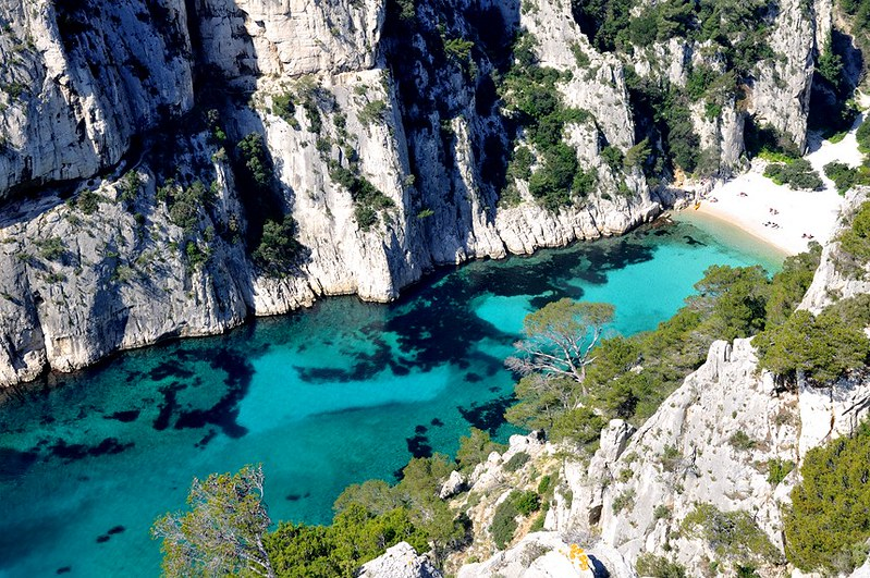 secret european beaches post-covid travel ideas Calanques En Vau, Provence France (Photo Thibault Houspic)