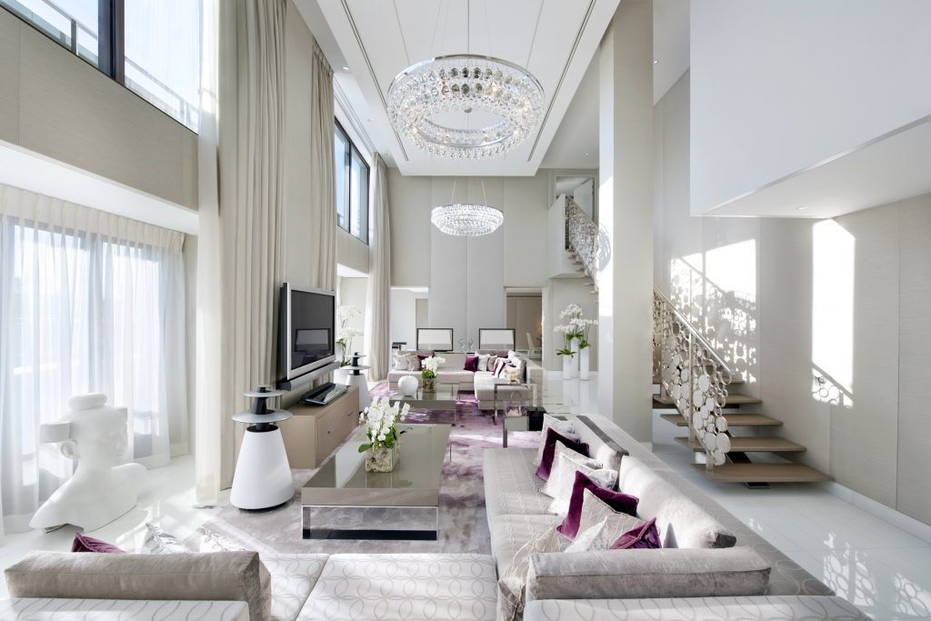 Living room of Royale Suite Mandarin Oriental Paris by Sybille de Margerie (Photo by George Apostolidis)