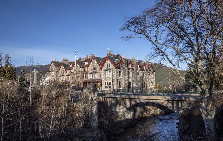 The-Fife-Arms_Braemar-Exterior-photo-credit-Sim-Canetty-Clarke-920x585