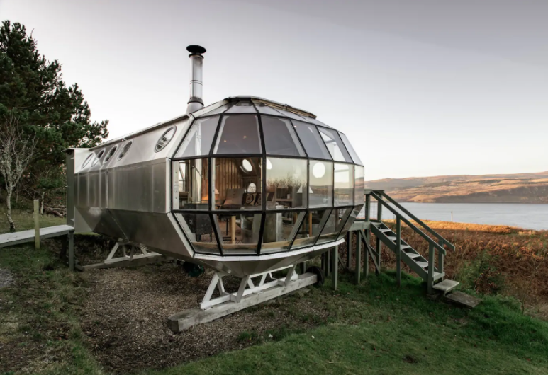 Unique travel destinations and Secluded AirShip with Breathtaking Highland Views (Photo from Airbnb)