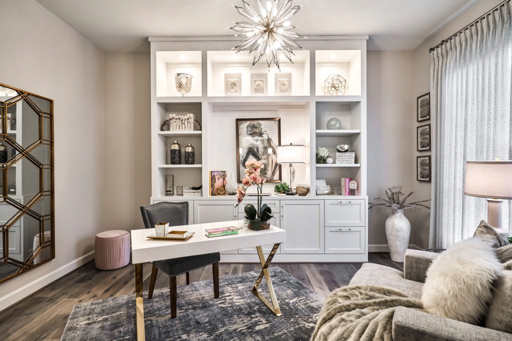 Design by Charbonneau Interiors (Photo by Texas Home Photo) home office design glamorous