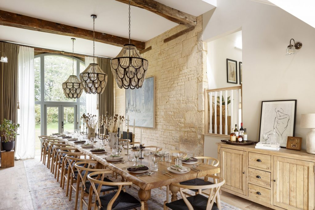 Let the dinner party begin! Interior by Run for the Hills neutral natural materials dining room