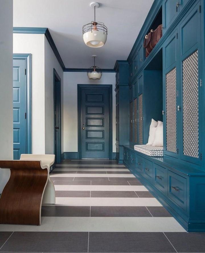 bold colors interior design sblonginteriors-mudroom-koket