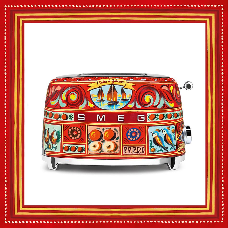 unusual iconic brand collaborations dolce-gabbana-x-smeg-toaster