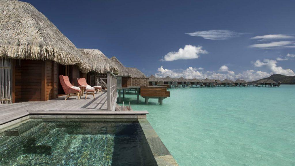 Bora Bora's beautiful villas (Photo FourSeasons.com)