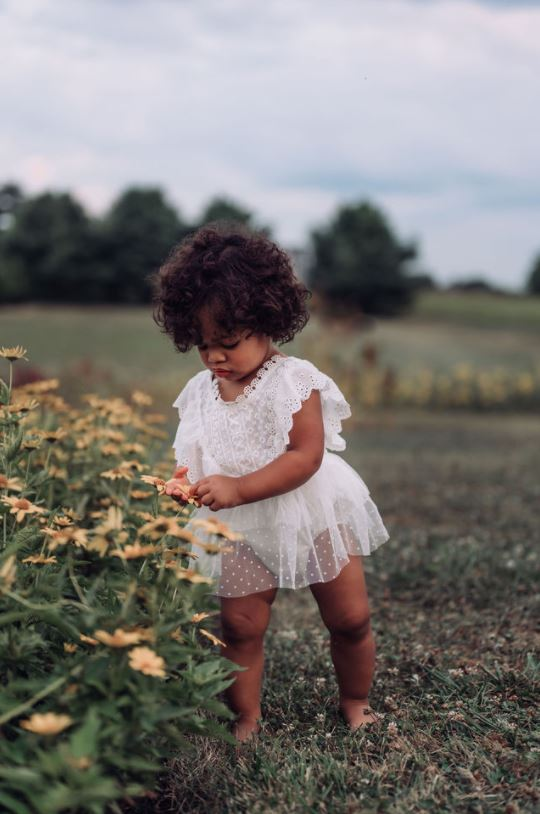 lifestyle photography tips baby girl by barbara larson photography
