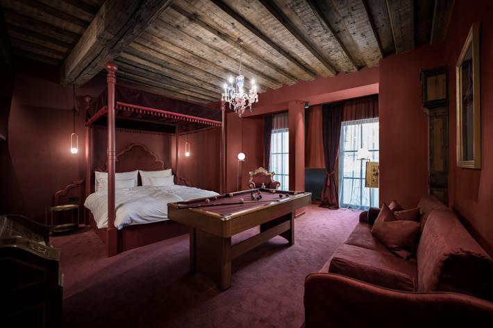 Mozart Suite weisses kreuz noa architecture hospitality hotel design
