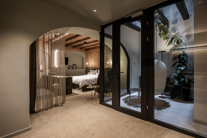 Superpatio Suite noa architecture weisses kreuz