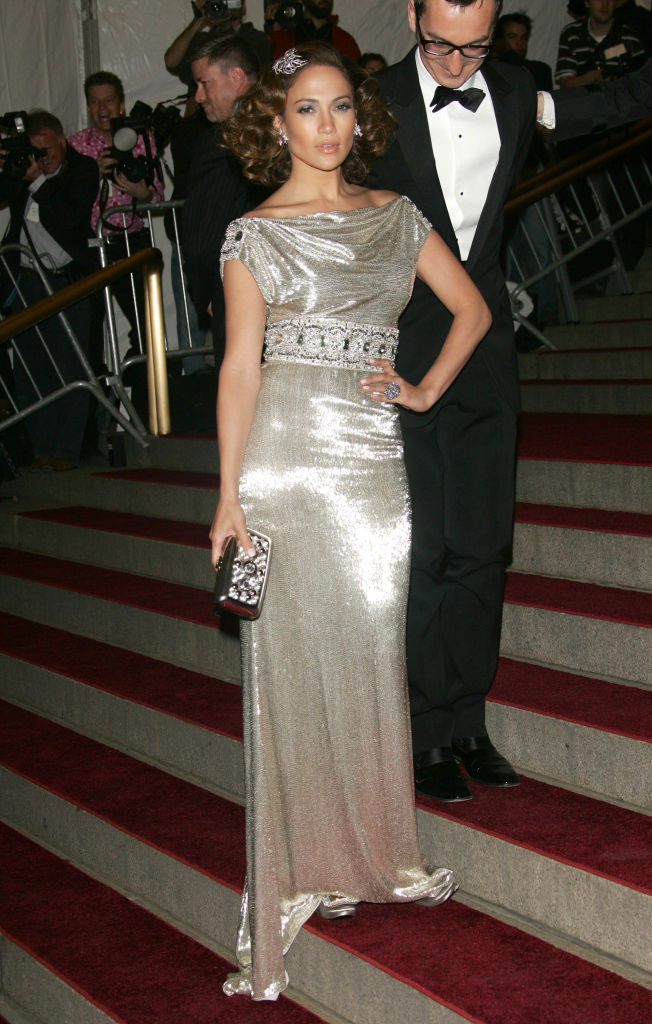 """Jennifer Lopez in Marchesa at the """"Poiret: King Of Fashion"""" Met Gala 2007 (Photo by Evan Agostini/Getty Images)"""
