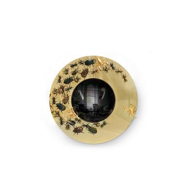 gold mirror with bugs round metamorphosis boca do lobo