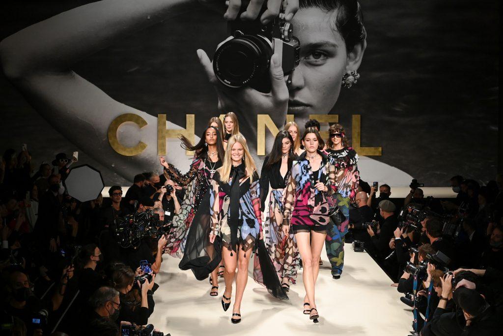 chanel paris fashion week spring summer 2022